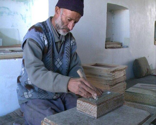 کسادی بازار، بیکاری خاتم کاران شیخ شبانی را رقم زد