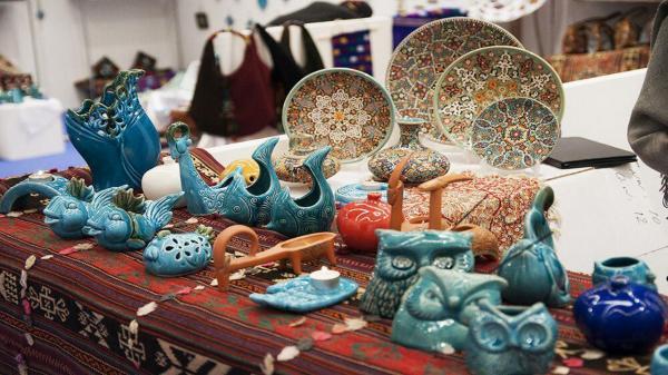 رونق بازار کار هنرمندان صنایع دستی همواره در اولویت قرار گرفته است