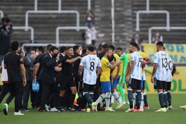تعلیق بازی برزیل، آرژانتین در دیداری جنجالی، ورود پلیس فدرال برای دستگیری بازیکنان